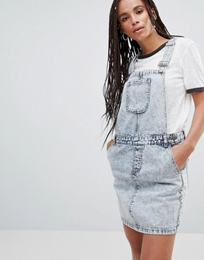 photo Lara Denim Dungaree Mini Dress by Noisy May, color Dark Blue Denim - Image 1
