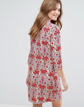 photo 3/4 Sleeve Printed Shift Dress by Lavand, color Red - Image 2