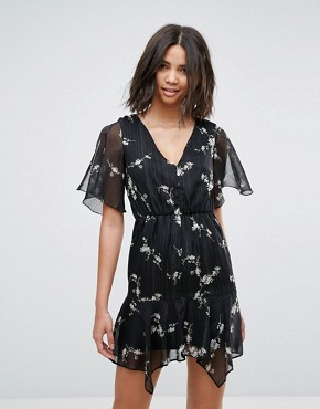 photo Floral V-Neck Tea Dress by Miss Selfridge, color Black Print - Image 1