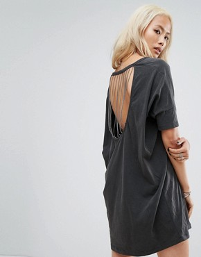 photo Relaxed T-Shirt Dress with Cross Bones Print and Cut Out Chain Link Back by Religion, color Black - Image 1