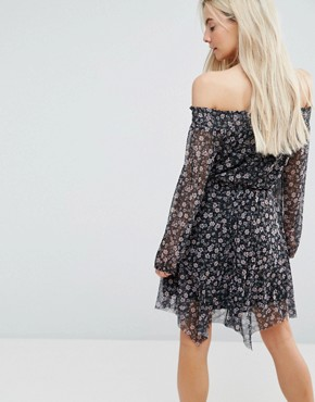 photo Floral Asymmetric Midi Dress by New Look Petite, color Black - Image 2