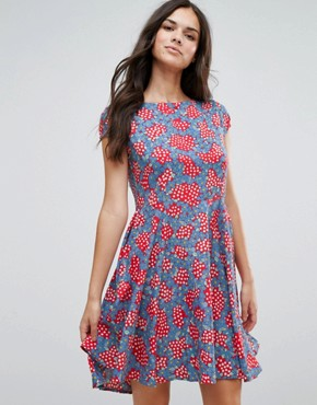 photo Fit and Flare Dress in Daisy Chain Print by Anmol, color Red Blue - Image 1