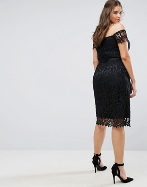 photo Lace Bandeau Midi Dress with Sweetheart Neck by Chi Chi London Plus, color Black - Image 2