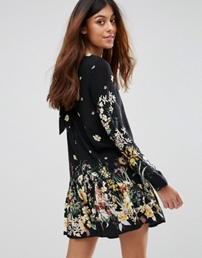 photo Dress with Floral Border Print by QED London, color Black - Image 2