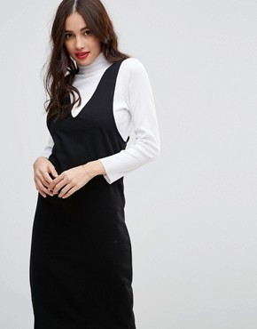 photo Midi Column Pinafore Dress with V-Front by ASOS, color Black - Image 3