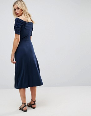 photo Midi Tea Dress with Ruching Detail by ASOS, color Navy - Image 2