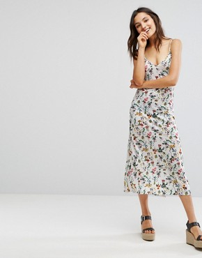 photo Floral Cami Midi Dress by Pull&Bear, color White - Image 1