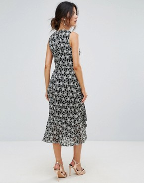 photo Monochrome Lace Dress by Warehouse, color Multi - Image 2