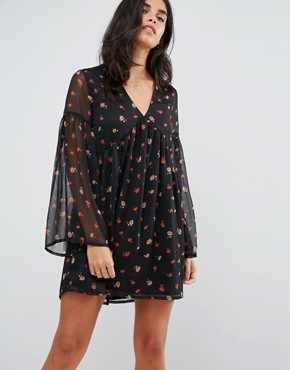 photo Smock Dress with Flare Sleeves by Influence, color Black - Image 1