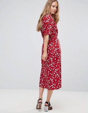 photo Floral Midi Dress by Influence, color Burgundy - Image 2