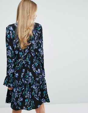 photo 2 in 1 Fluted Sleeve Skater Dress in Bright Floral Print by Closet London, color Multi - Image 2