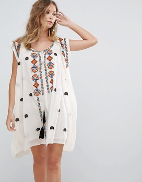 photo Sally Embroidered Dress by Deby Debo, color White - Image 1