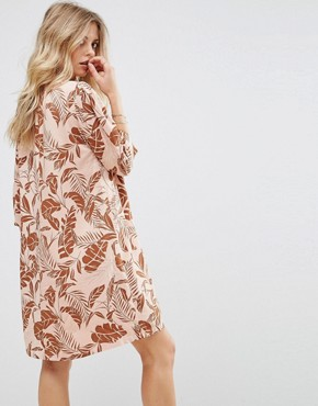 photo Long Sleeved Shift Dress in Palm Print by Y.A.S, color Mahogany Rose - Image 2