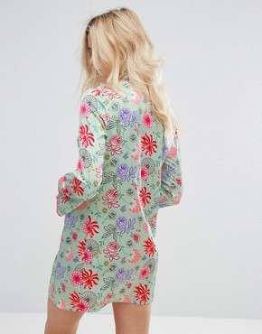 photo Long Sleeve Shift Dress with High Neck in Bright Floral by Glamorous, color Green/Pink - Image 2