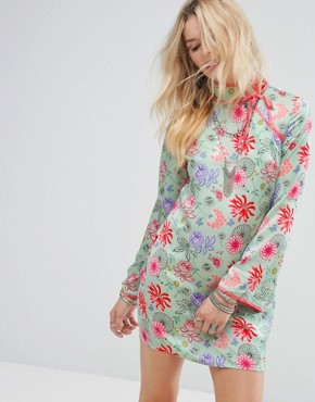 photo Long Sleeve Shift Dress with High Neck in Bright Floral by Glamorous, color Green/Pink - Image 1