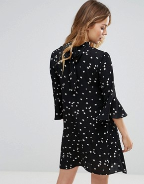 photo Smock Dress with Choker Neck Detail in Star Print by Glamorous, color Black Star - Image 2