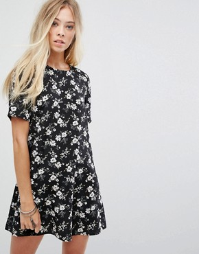 photo Tea Dress in Grunge Floral by Glamorous, color Black - Image 1