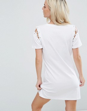 photo T-Shirt Dress with Lace Up Shoulder Detail by Glamorous Petite, color White - Image 2