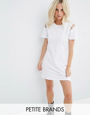 photo T-Shirt Dress with Lace Up Shoulder Detail by Glamorous Petite, color White - Image 1
