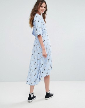 photo Wrap Front Pyjama Style Dress in Bird Print by Glamorous Tall, color Light Blue - Image 2