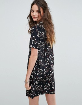 photo Tea Dress in Grunge Floral by Glamorous Tall, color Black - Image 2