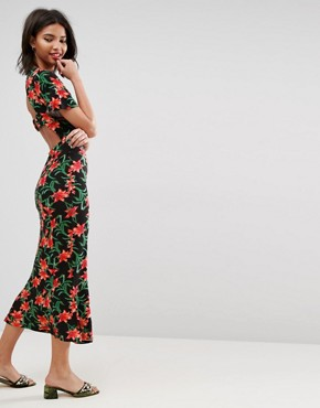 photo Maxi Tea Dress with Open Back Detail in Floral Print by ASOS, color Floral Print - Image 1