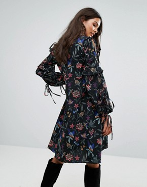 photo Tie Sleeve Embroidered Dress by Vero Moda, color Black - Image 2