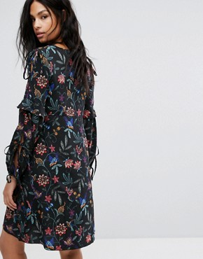photo Long Sleeve Floral Dress by Vero Moda Tall, color Black - Image 2