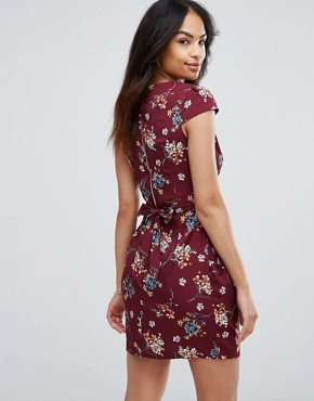 photo Floral Tulip Pencil Dress by QED London, color Wine - Image 2
