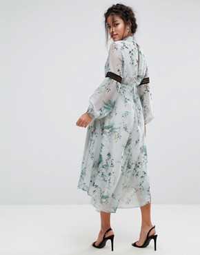 photo Printed Open Back Midi Dress with Lace Inserts by Hope & Ivy Maternity, color Multi Mint - Image 2