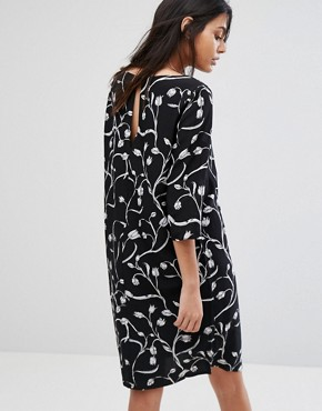 photo Lilica Printed Shift Dress by Selected, color Black - Image 2