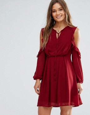 photo Cold Shoulder Ruffled Dress by Lunik, color Wine - Image 1