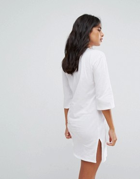 photo Off Limits T-Shirt Dress by Heartbreak, color White - Image 2