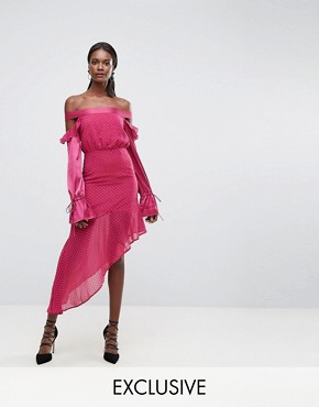 photo Dobbie Mesh Dress with Contrast Frill Sleeves and Sheer Asymmetric Hem by Dark Pink, color Deep Magenta - Image 1