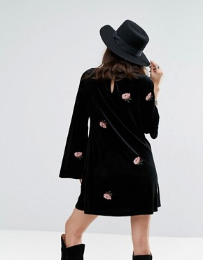 photo Long Sleeve Swing Dress in Floral Embroidered Velvet by Honey Punch, color Black - Image 2