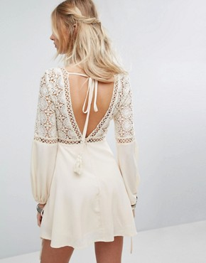 photo Long Sleeve Dress with Lace and Ladder Inserts by Kiss The Sky, color Cream - Image 2