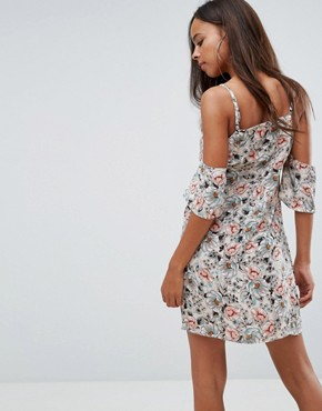 photo Floral Strappy Cold Shoulder Dress by Missguided Petite, color Cream - Image 2