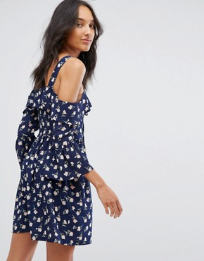 photo Cold Shoulder Lace Up Skater Dress by Missguided Tall, color Navy Floral - Image 2