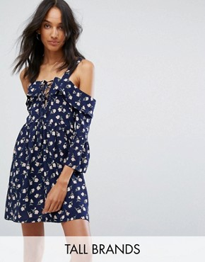 photo Cold Shoulder Lace Up Skater Dress by Missguided Tall, color Navy Floral - Image 1