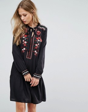 photo Embroidered Tie Neck Dress by Vero Moda, color Black - Image 1