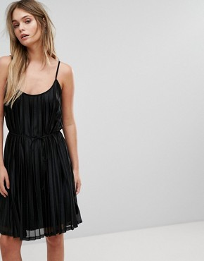 photo Pleated Cami Dress by Vero Moda, color Black - Image 1