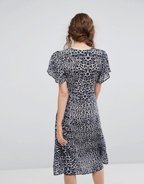 photo Exclusive Leopard Midi Dress by Lily and Lionel, color Blue Leopard - Image 2