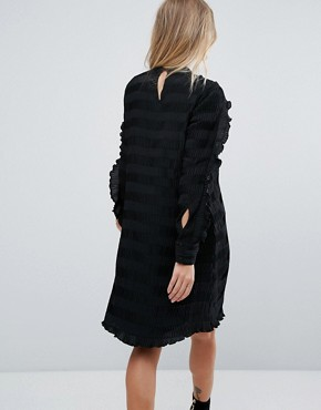 photo Ruffle Sleeve Shift Dress by Y.A.S, color Black - Image 2