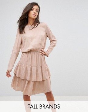 photo Long Sleeve Ruffle Tiered Dress by Y.A.S Tall, color Pink - Image 1