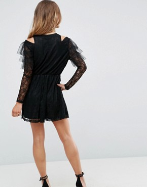 photo Lace and Mesh Layered Cold Shoulder Skater Dress by Missguided Petite, color Black - Image 2