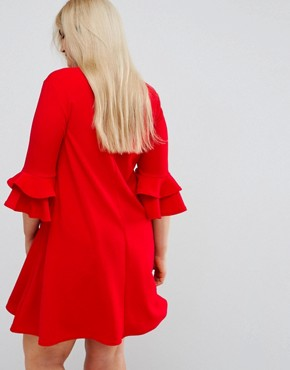 photo V-Neck Dress with Fluted Sleeve Detail by Praslin, color Red - Image 2