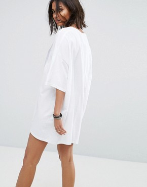 photo Vintage Oversize T-Shirt Dress with Lace Up by Milk It, color White - Image 2