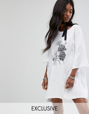 photo Vintage Oversize T-Shirt Dress with Choker Tie by Milk It, color White - Image 1
