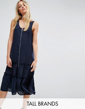 photo Ruffle Hem Dress with Zip Detail by Noisy May Tall, color Navy - Image 1