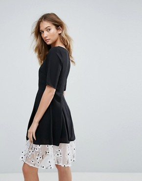 photo 3/4 Sleeve Midi Dress with Lace Trim by Traffic People, color Black - Image 2